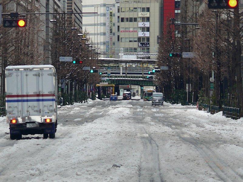 大雪後の東京・丸の内